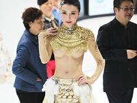 'Dâm phụ Phan Kim Liên' lại gây sốc khi tung ảnh nóng