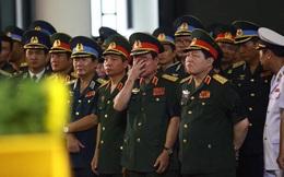 Nhiều tướng lĩnh và quân nhân đã khóc tiễn biệt 9 liệt sĩ hy sinh trên Casa-212