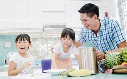 Vợ vắng nhà, Bình Minh dạy 2 con nấu ăn