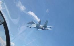 Trải nghiệm lần đầu bắn biển của phi công Su-30MK2