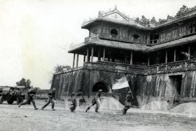Cú lật cánh táo bạo, hiểm hóc của Quân đoàn 2 mùa Xuân 1975: Cắt phăng Thừa Thiên Huế - Ảnh 2.