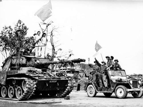 Cú lật cánh táo bạo, hiểm hóc của Quân đoàn 2 mùa Xuân 1975: Cắt phăng Thừa Thiên Huế - Ảnh 3.