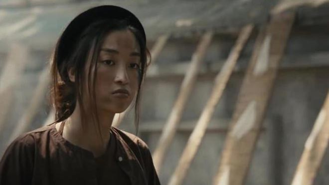"""Những hoa hậu Việt khiến khán giả bất ngờ với hình tượng """"xấu đau đớn"""" - Ảnh 11."""
