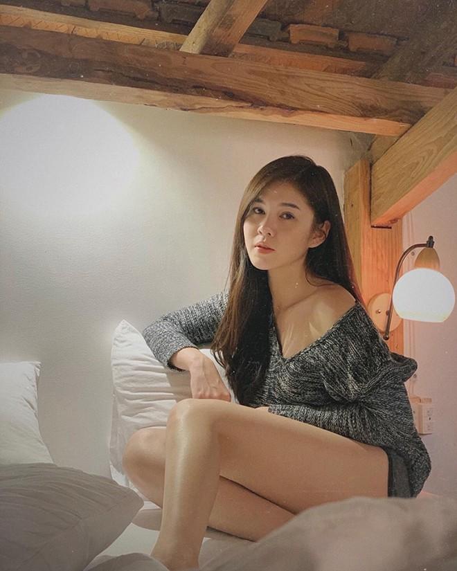 Vẻ quyến rũ, sành điệu đời thường của nữ MC từng theo chân Park Hang Seo - Ảnh 15.