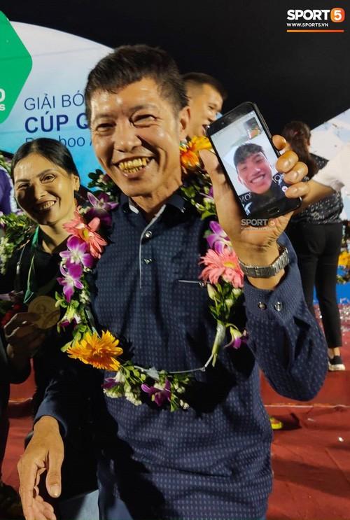 Từ Hà Lan, Văn Hậu cùng hưởng niềm vui vô địch với Hà Nội FC bằng cách đặc biệt này - Ảnh 2.