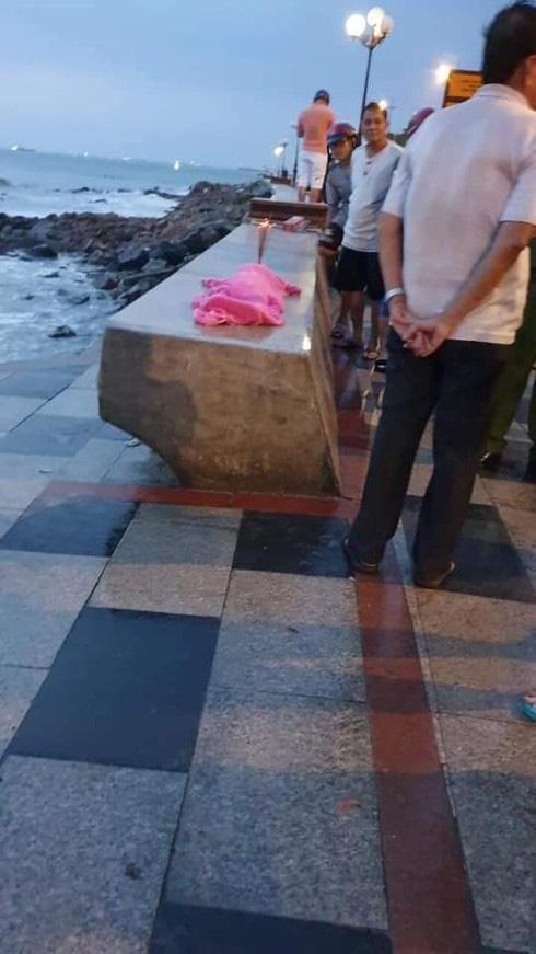 Vụ người cha nghi sát hại 2 con thơ ở biển Vũng Tàu: Nhận dạng thi thể nam ở Đắk Nông - Ảnh 1.