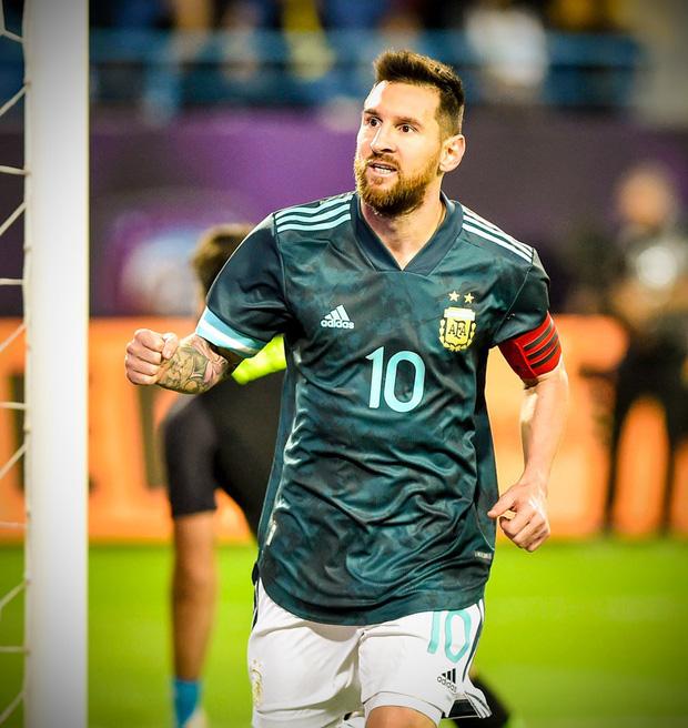 Thắng Brazil trong trận Siêu kinh điển Nam Mỹ, Messi giành chiếc cúp đầu tiên trong sự nghiệp với ĐT Argentina - Ảnh 3.