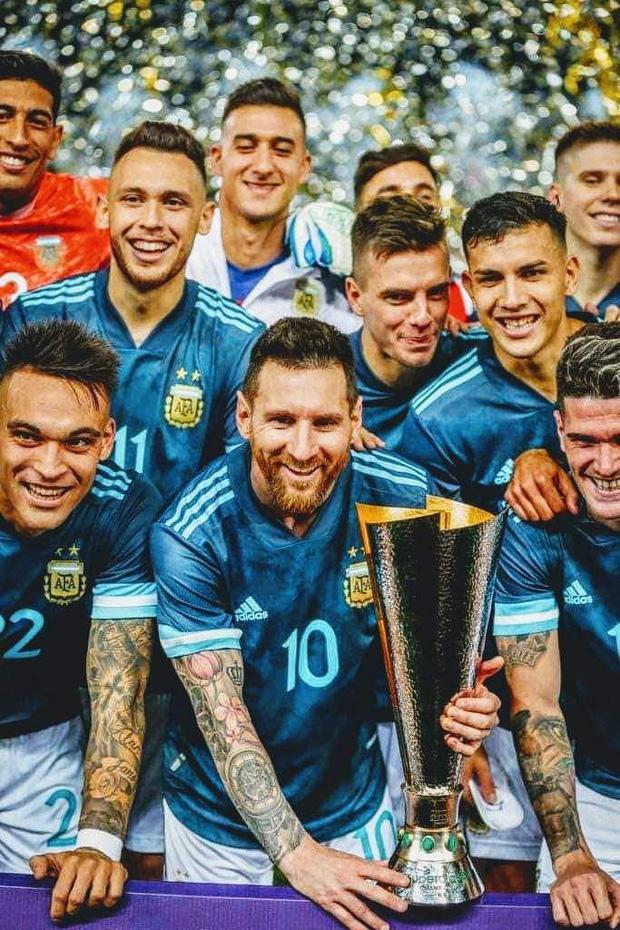 Thắng Brazil trong trận Siêu kinh điển Nam Mỹ, Messi giành chiếc cúp đầu tiên trong sự nghiệp với ĐT Argentina - Ảnh 7.