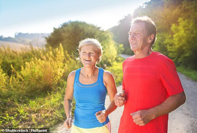 Các nhà khoa học tuyên bố: Đi bộ 50 phút mỗi tuần giảm nguy cơ tử vong sớm tới 30% - Ảnh 1.