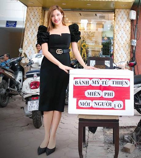 Hoa hậu Phan Hoàng Thu tặng bánh mỳ miễn phí cho người nghèo hàng ngày - Ảnh 2.