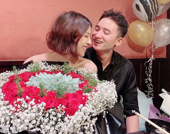 Vợ sắp cưới của Phan Mạnh Quỳnh nóng bỏng, sống sang chảnh cỡ nào? - Ảnh 2.