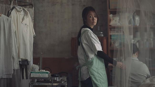 Nhan sắc Lâm Tâm Như tiếp tục bị bóc mẽ, làn da sạm đen lép vế đồng nghiệp trong loạt ảnh chưa photoshop - Ảnh 9.