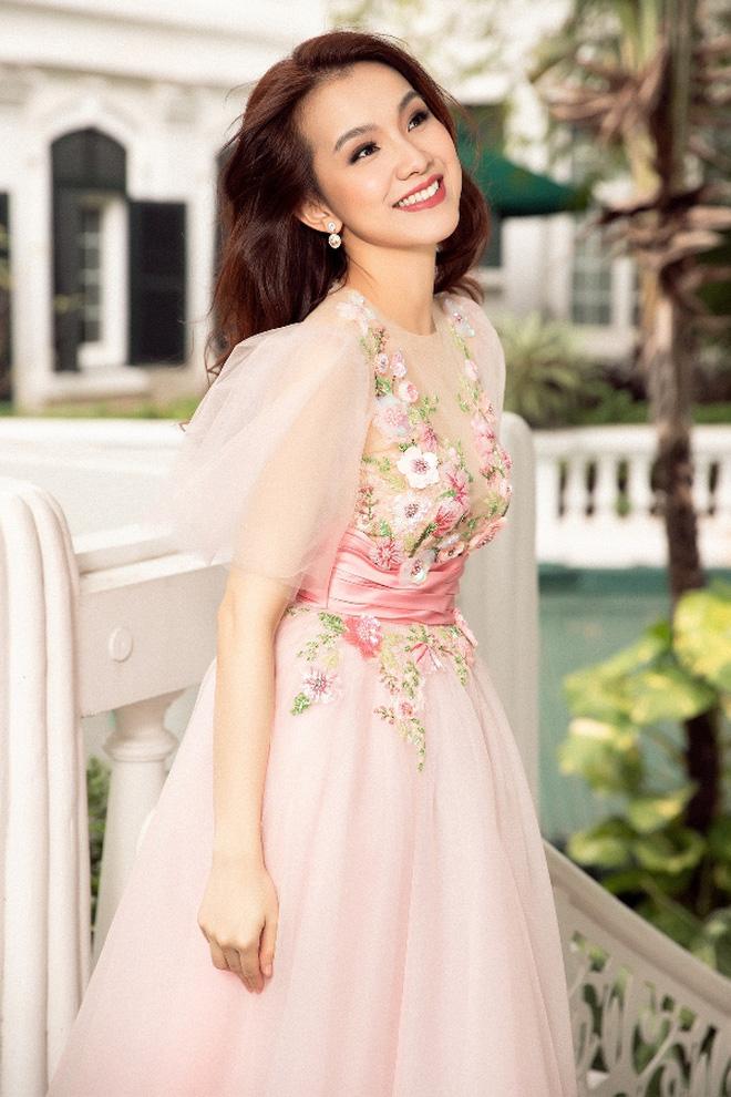 Đỉnh cao nhan sắc dàn Hoa hậu đăng quang cả thập kỷ: U40, U50 vẫn đẹp ngỡ ngàng, Mai Phương Thúy táo bạo nhất - Ảnh 18.