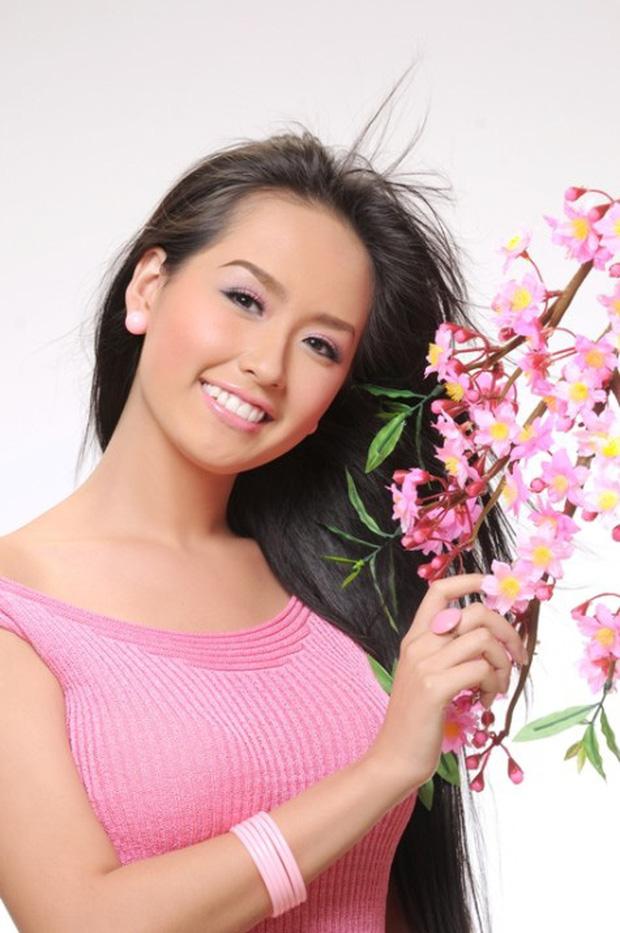 Đỉnh cao nhan sắc dàn Hoa hậu đăng quang cả thập kỷ: U40, U50 vẫn đẹp ngỡ ngàng, Mai Phương Thúy táo bạo nhất - Ảnh 22.