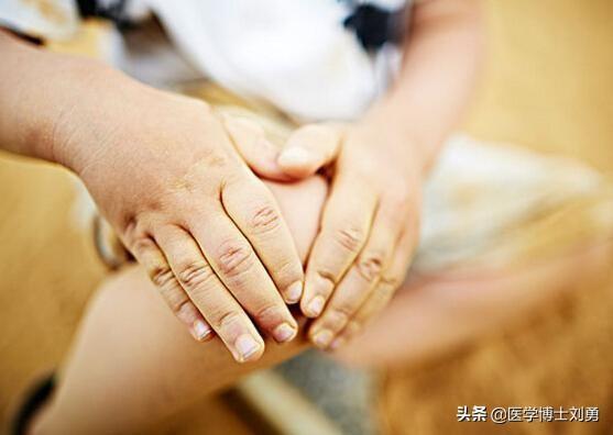 3 dấu hiệu bất thường ở tay chân: 80% khả năng bạn bị tắc mạch máu, nên xử lý ngay - Ảnh 7.