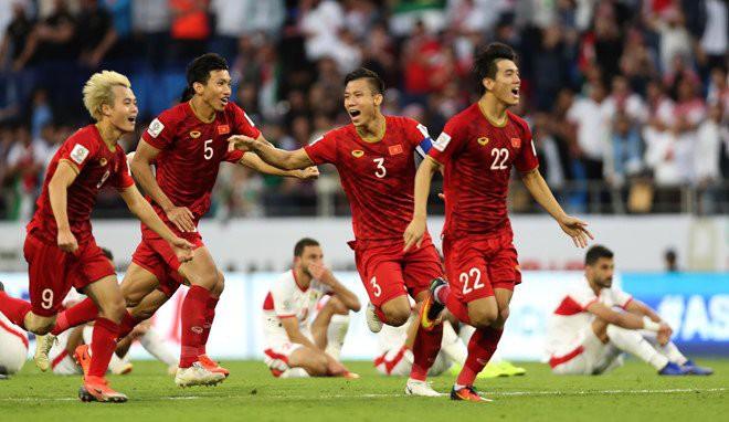 Chuyên gia châu Á: Quang Hải toả sáng, tuyển Việt Nam đá hay ở vòng loại World Cup 2022 - Ảnh 1.