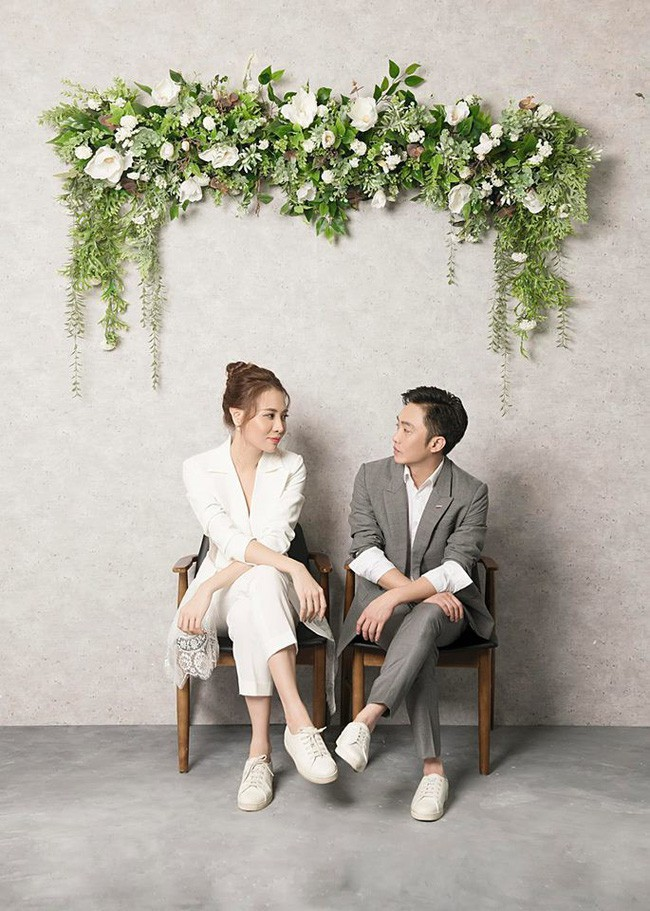 Ngoài Cường Đô la - Đàm Thu Trang, showbiz Việt không thiếu những cặp chân dài - đại gia hạnh phúc với cuộc sống gia đình bình yên - Ảnh 1.