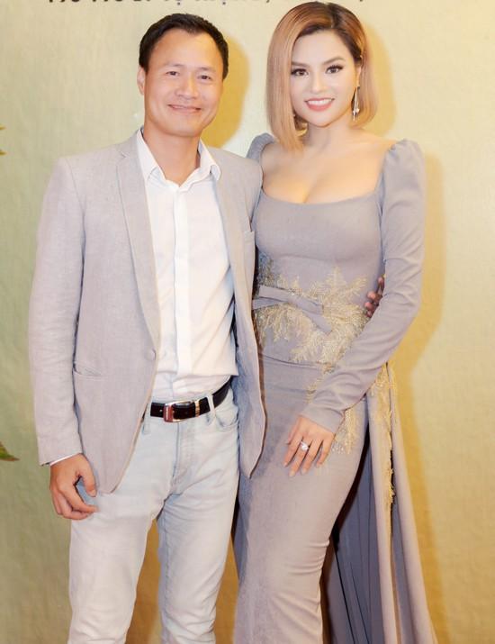 Ngoài Cường Đô la - Đàm Thu Trang, showbiz Việt không thiếu những cặp chân dài - đại gia hạnh phúc với cuộc sống gia đình bình yên - Ảnh 8.
