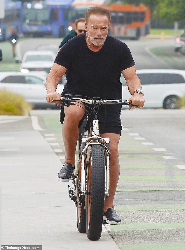 Tài tử Kẻ hủy diệt Arnold Schwarzenegger U80 cơ bắp cuồn cuộn - Ảnh 2.