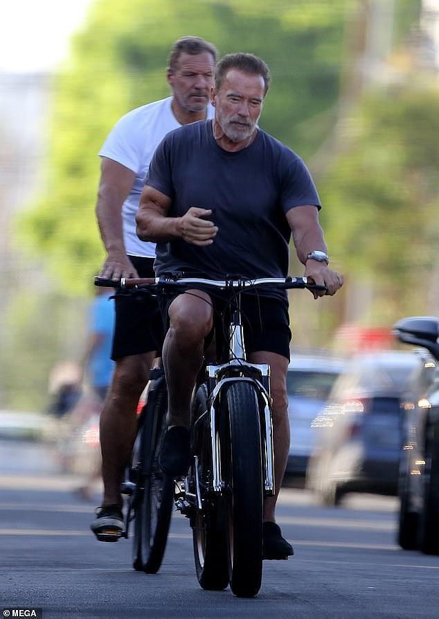 Tài tử Kẻ hủy diệt Arnold Schwarzenegger U80 cơ bắp cuồn cuộn - Ảnh 3.