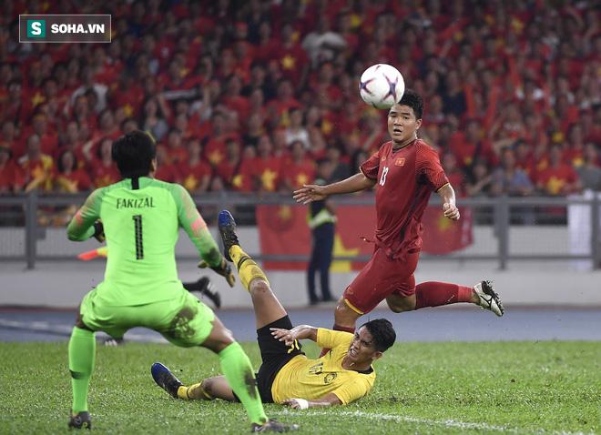 Đấu Thái Lan, mong Văn Hậu, Trọng Hoàng trở lại được vì cầu thủ thay thế họ chưa đủ hay - Ảnh 2.