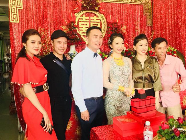 Cô dâu Hậu Giang đeo 30 cây vàng trong đám cưới bất ngờ chia sẻ về chuyện sinh con trai đầu lòng sau 2 năm lập gia đình - Ảnh 1.