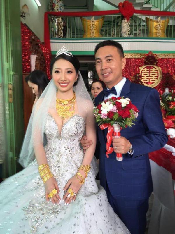 Cô dâu Hậu Giang đeo 30 cây vàng trong đám cưới bất ngờ chia sẻ về chuyện sinh con trai đầu lòng sau 2 năm lập gia đình - Ảnh 3.