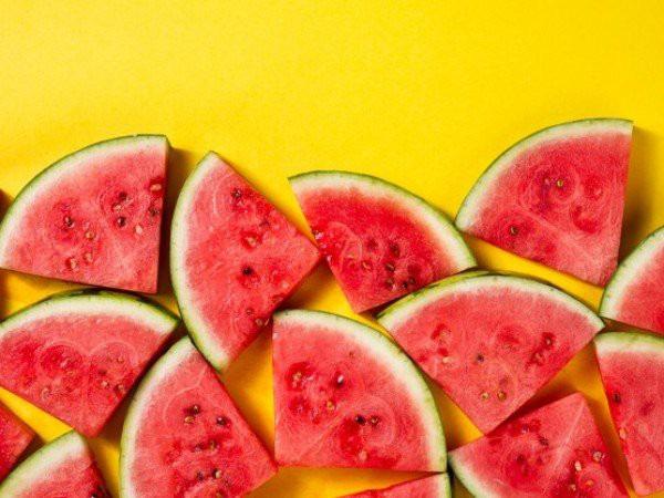 12 thực phẩm giúp giải nhiệt vào mùa hè - Ảnh 1.