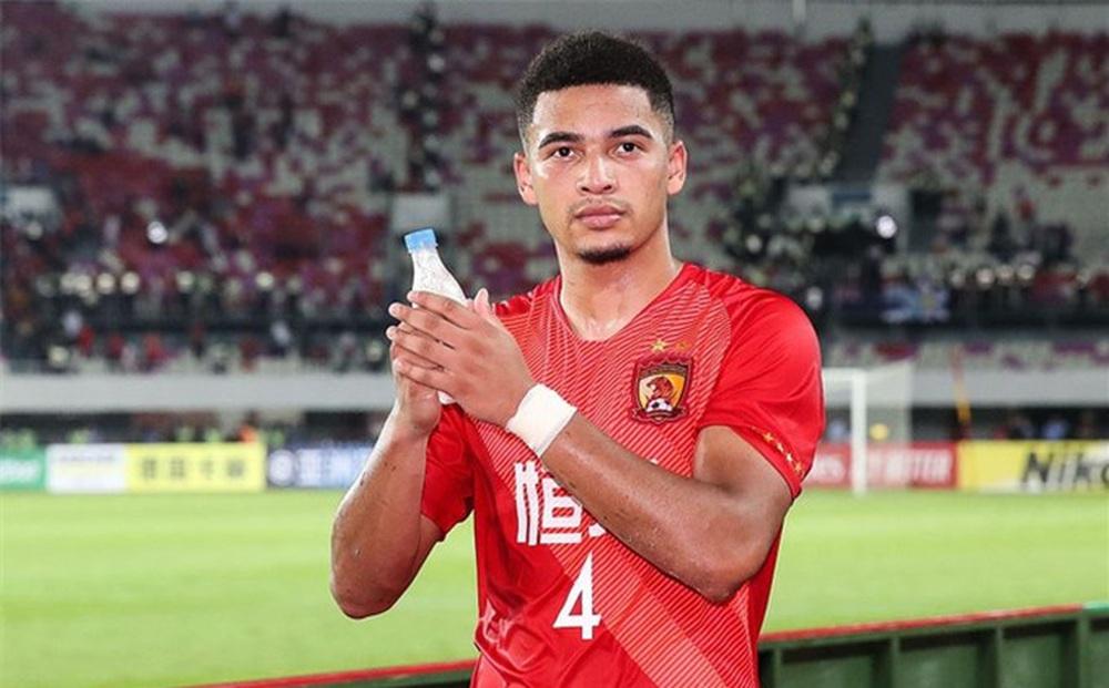 Cầu thủ nhập tịch Trung Quốc tự tin, gửi