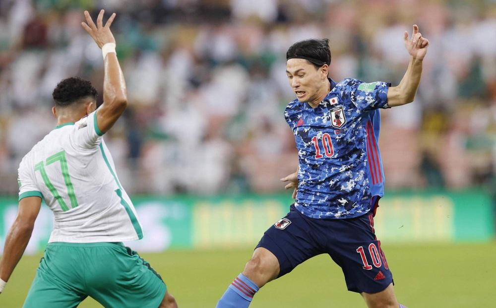 Huyền thoại Nhật Bản chỉ trích đội nhà: