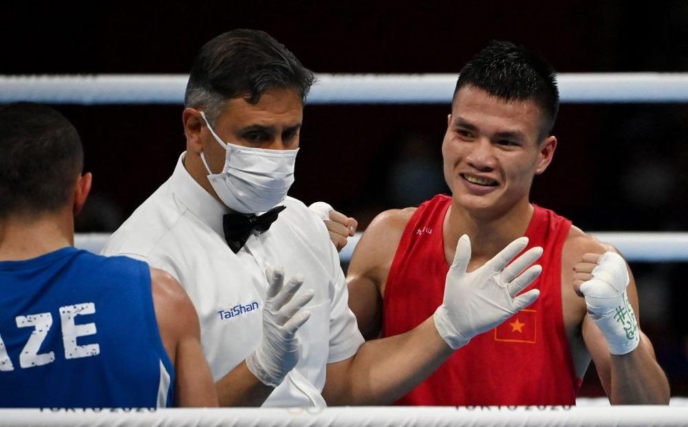 Võ sĩ Việt Nam thắng nghẹt thở trong sự ngỡ ngàng của đối thủ ở Olympic