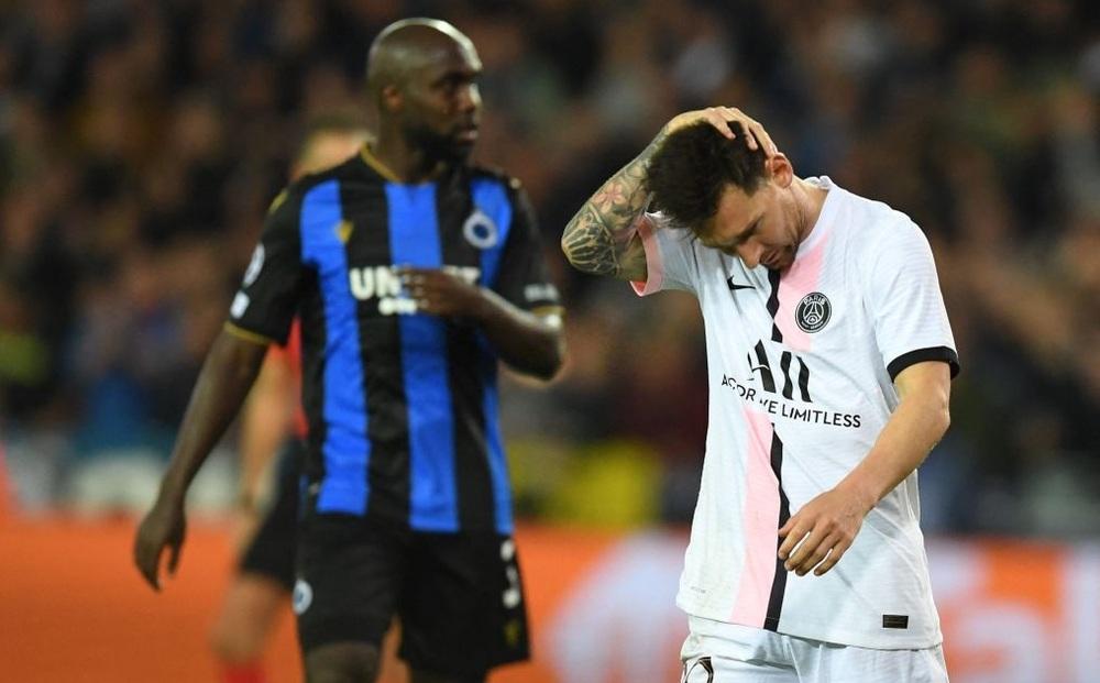 Messi gục mặt trong ngày phải đá cặp cùng
