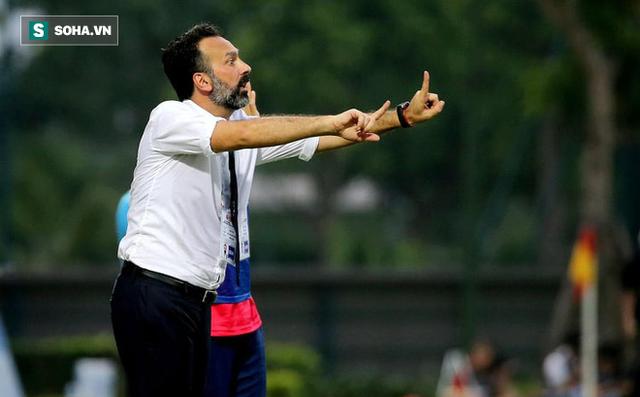 Trả đũa bầu Đệ thành công, HLV Fabio Lopez chê bai bóng đá Việt Nam trên báo Italia