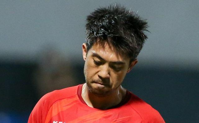 Lee Nguyễn bị CĐV cà khịa sau trận thua: 'Đã biết Than Quảng Ninh là đội nào chưa?'