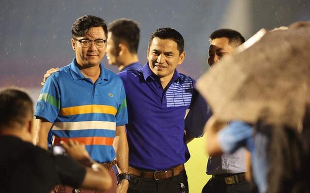 Đội bóng V.League chi lót tay tiền tỷ cho một HLV Việt Nam,