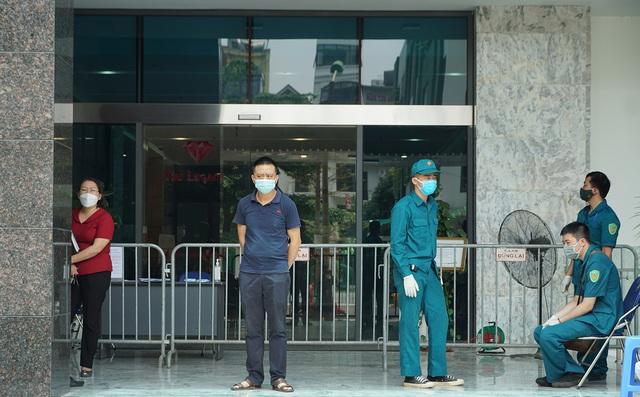Hà Nội: Nữ bệ.nh nhân ở Ngụy Như Kon Tum mắc Covid-19 đã đi siêu thị, đến các chung cư khác - Ảnh 1.
