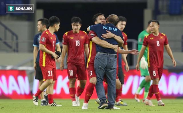Mang trọng trách lớn hơn cả bóng đá, chẳng điều gì có thể khiến thầy Park rời Việt Nam