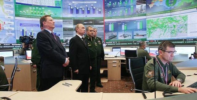 """""""Đột nhập"""" trung tâm chỉ huy quốc phòng Nga"""
