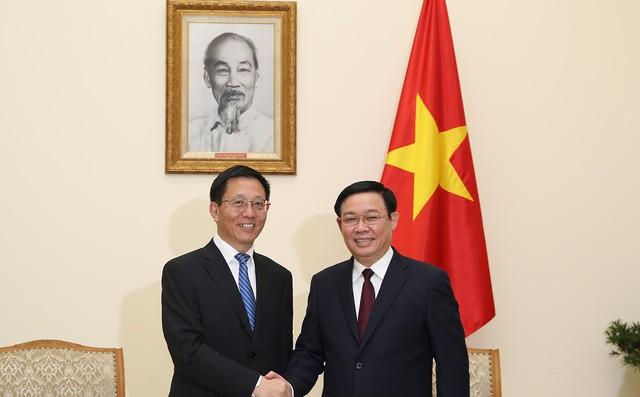 Phó Thủ tướng Vương Đình Huệ đề nghị phía Trung Quốc khơi thông nông sản xuất khẩu từ Việt Nam