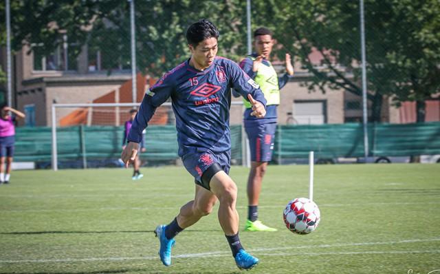 Sint Truidense thắng lớn, fanpage CLB ngập tràn sự tử tế đến từ Việt Nam
