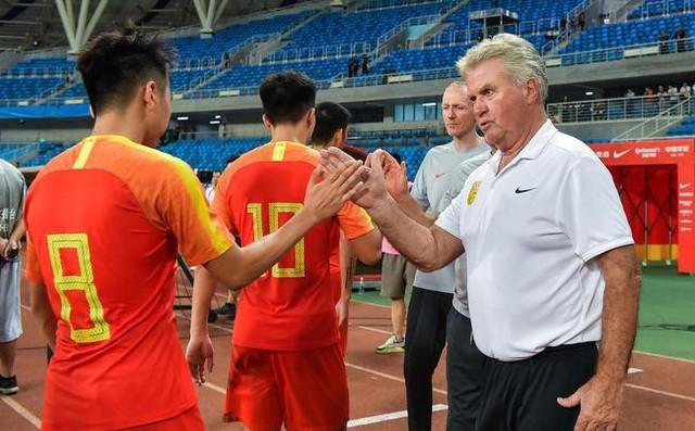 Thua Việt Nam, HLV Guus Hiddink buộc học trò thực hiện chế độ tập luyện chưa từng có