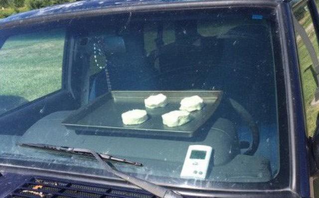 Nắng nóng kỷ lục Mỹ, ô tô biến thành lò nướng bánh