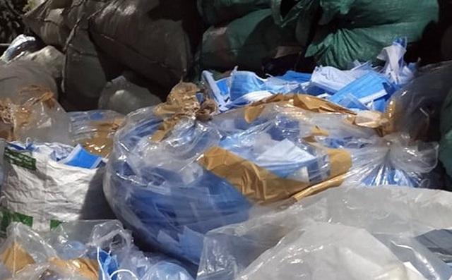 Chủ kho phế liệu chứa 2 tấn khẩu trang cũ ở Sài Gòn khai gì? - Ảnh 1.