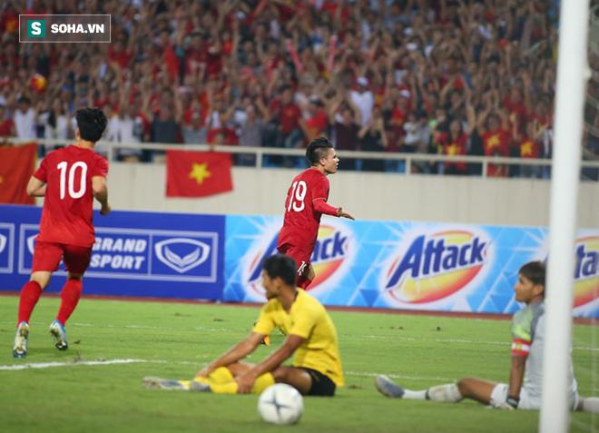 """Quang Hải để lại khoảnh khắc thiên tài, Việt Nam """"tặng"""" cho Malaysia bài học nhớ đời - Ảnh 3."""