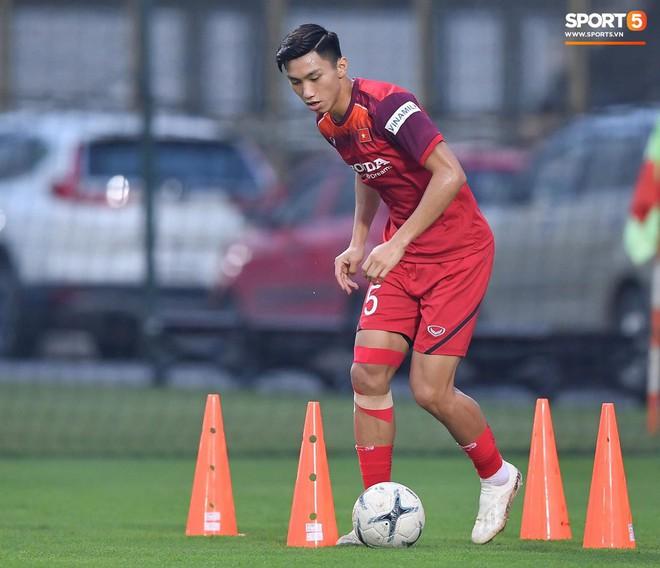 Từ Hà Lan, Văn Hậu cùng hưởng niềm vui vô địch với Hà Nội FC bằng cách đặc biệt này - Ảnh 4.