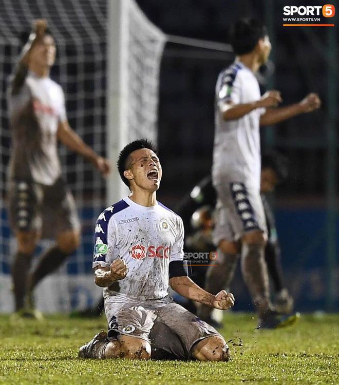 Từ Hà Lan, Văn Hậu cùng hưởng niềm vui vô địch với Hà Nội FC bằng cách đặc biệt này - Ảnh 5.