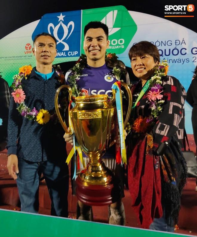Từ Hà Lan, Văn Hậu cùng hưởng niềm vui vô địch với Hà Nội FC bằng cách đặc biệt này - Ảnh 8.