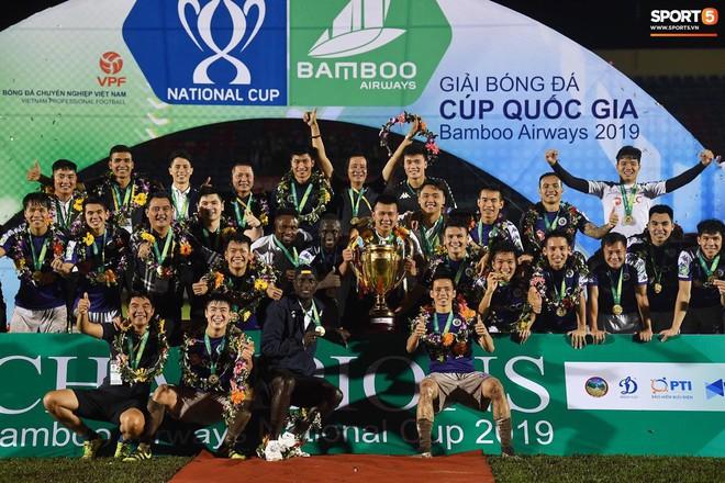 Từ Hà Lan, Văn Hậu cùng hưởng niềm vui vô địch với Hà Nội FC bằng cách đặc biệt này - Ảnh 10.