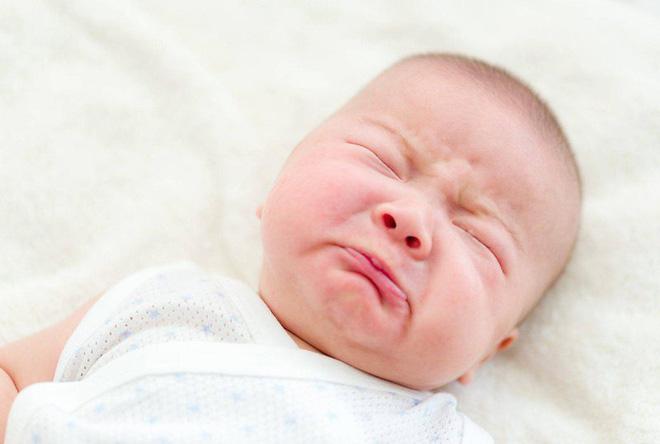 Dấu hiệu phân biệt trẻ cảm lạnh thông thường hay viêm phổi: Liệu cha mẹ đã biết? - Ảnh 2.