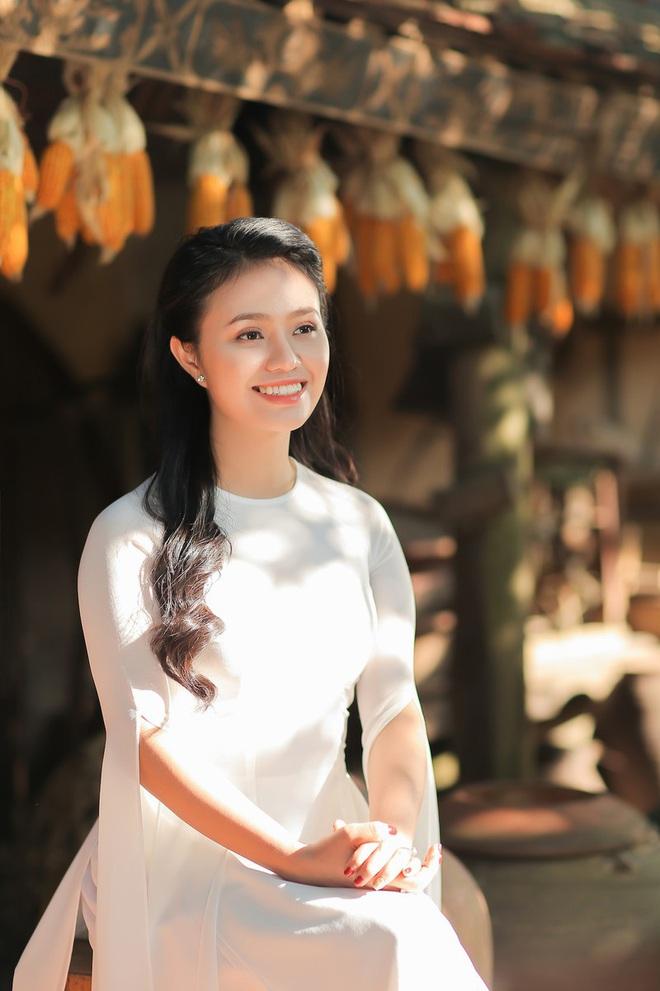 Quán quân Sao Mai Lương Hải Yến ra MV đầu tay tặng mẹ - Ảnh 2.